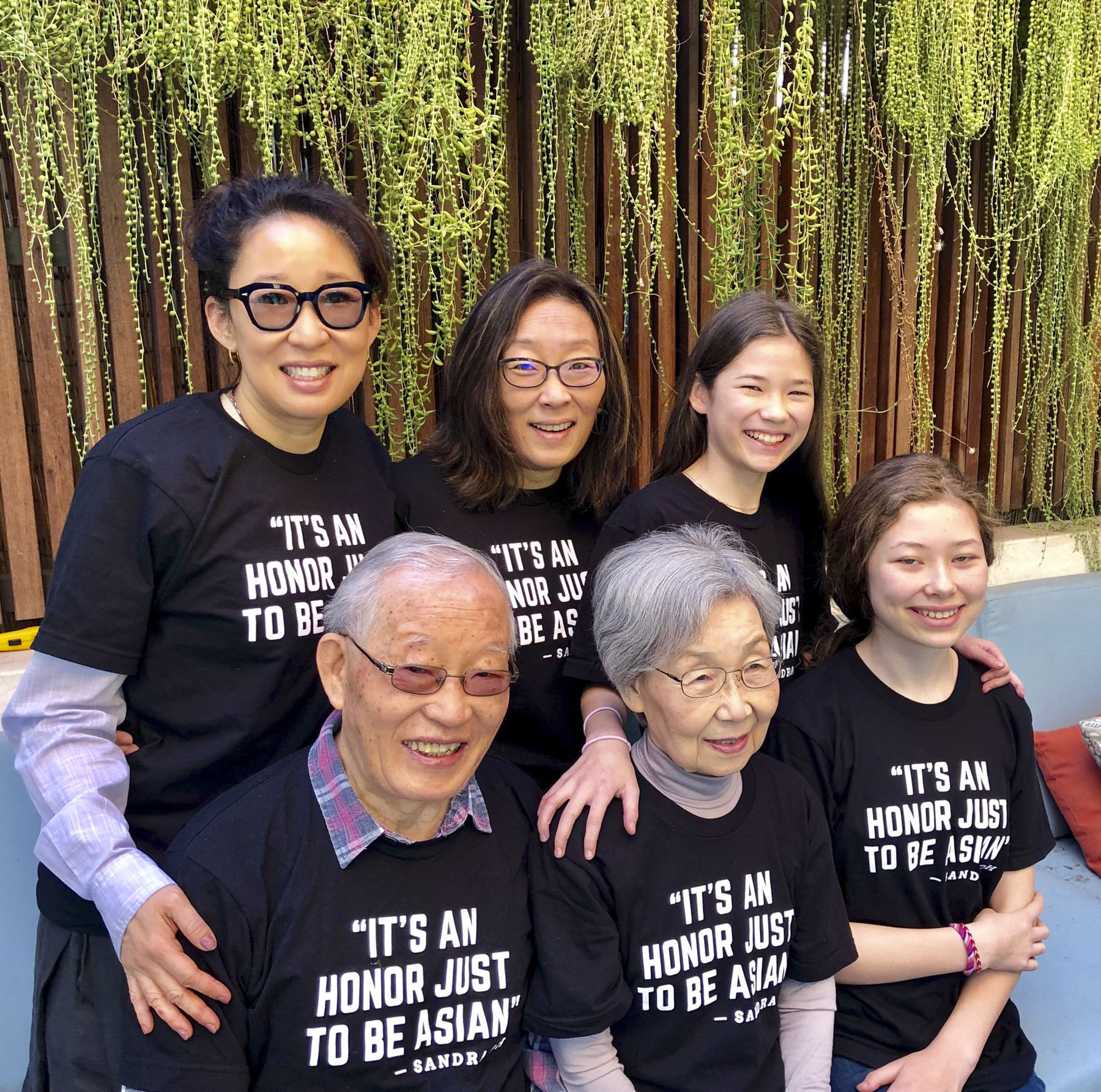 Sandra Oh's Family Supports Her Historic Golden Globes Hosting Gig with Matching Shirts — You Can Wear It Too!