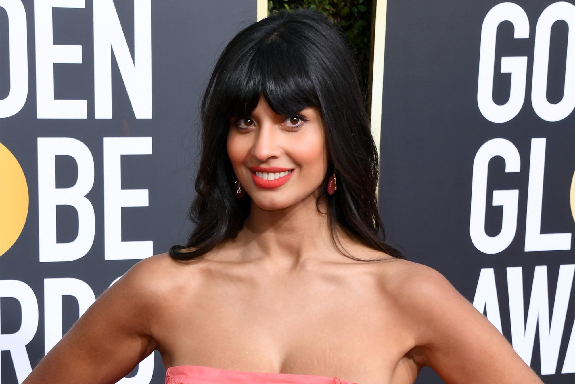 E! misidentifies Jameela Jamil at Golden Globes