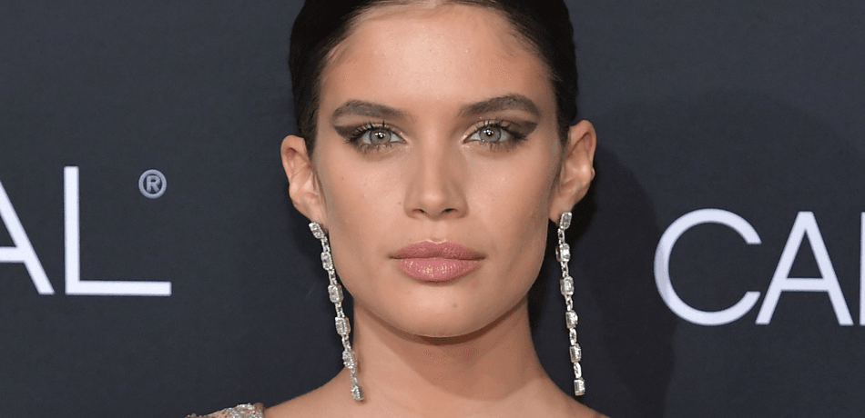 Sara Sampaio Goes Topless & Sits On A Boat In New Instagram Pic