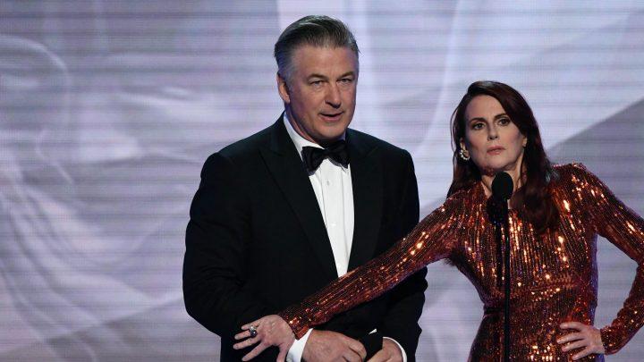 SAG Awards: Twitter is cringing over Megan Mullally and Alec Baldwin's 'awkward' sex skit