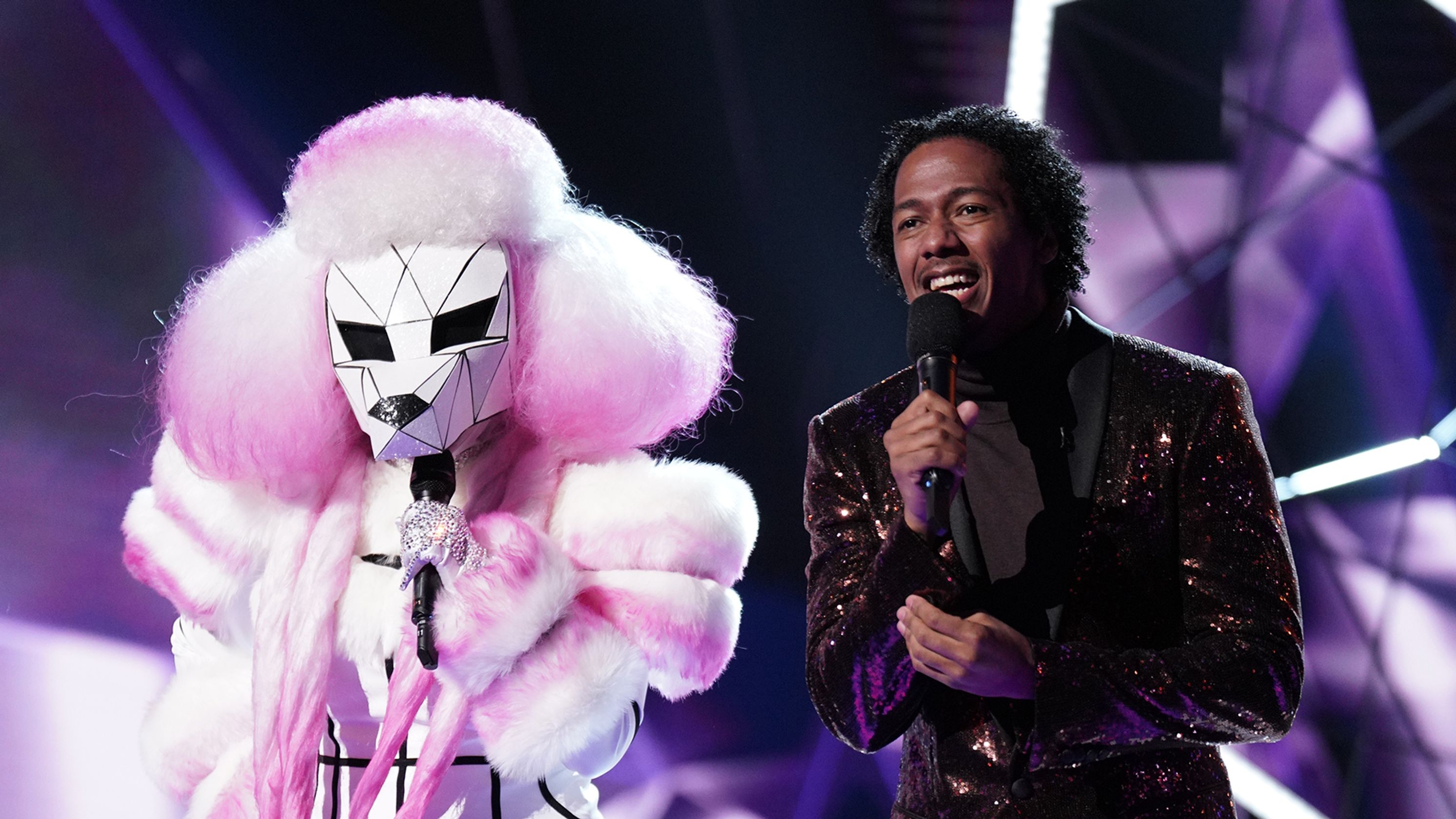 'The Masked Singer' Episode 2 recap: Queen bees, aliens and pineapples