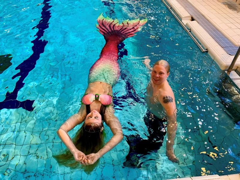 Finns with fins make a splash at 'mermaiding' classes