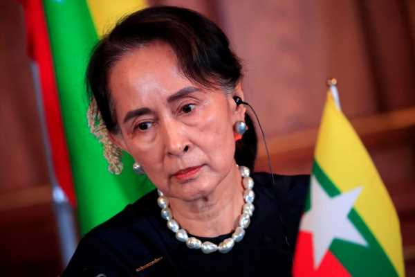 Myanmar's civilian, military leaders meet, vow to 'crush' Rakhine rebels