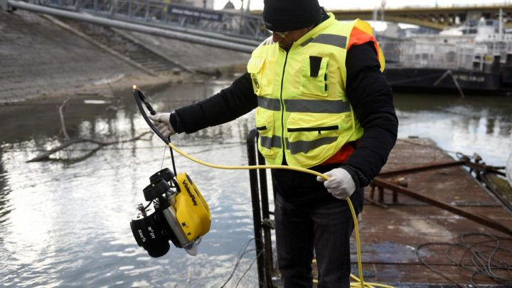 Israeli team scanning Danube river for remains of Holocaust victims