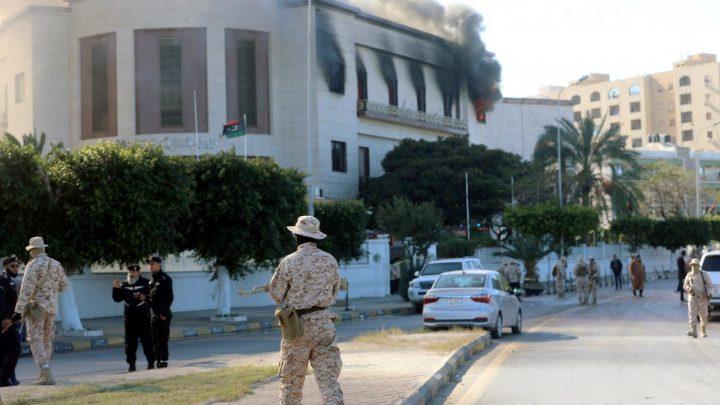 Militia groups battle in Libyan capital, breaking four-month truce