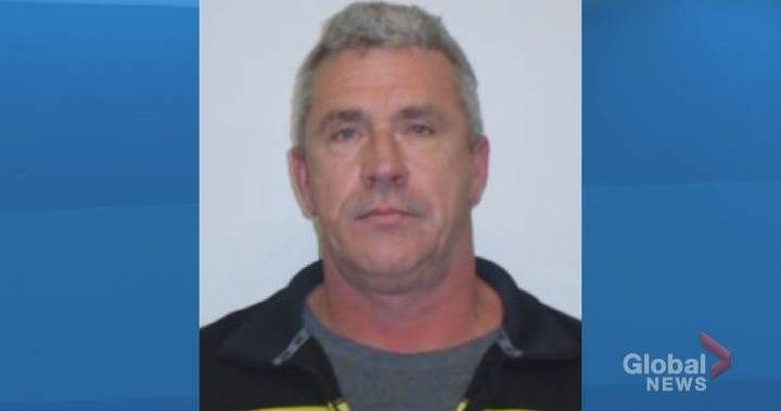 Man wanted on Canada-wide warrant surrenders to Calgary police