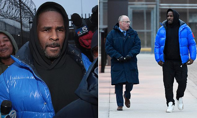 R. Kelly posts $100,000 bail and is released from jail