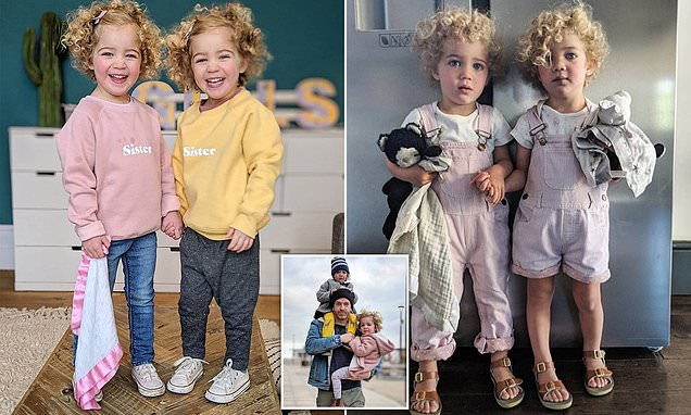 Parents defend daddy blogger as he struggles to tell his twins apart