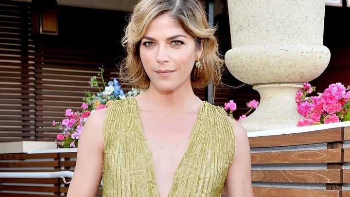 Selma Blair cried in relief after MS diagnosis, reveals she drank to cope