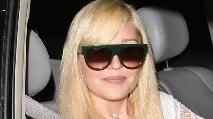 Amanda Bynes Checks Back Into Rehab Over Pressure of Comeback