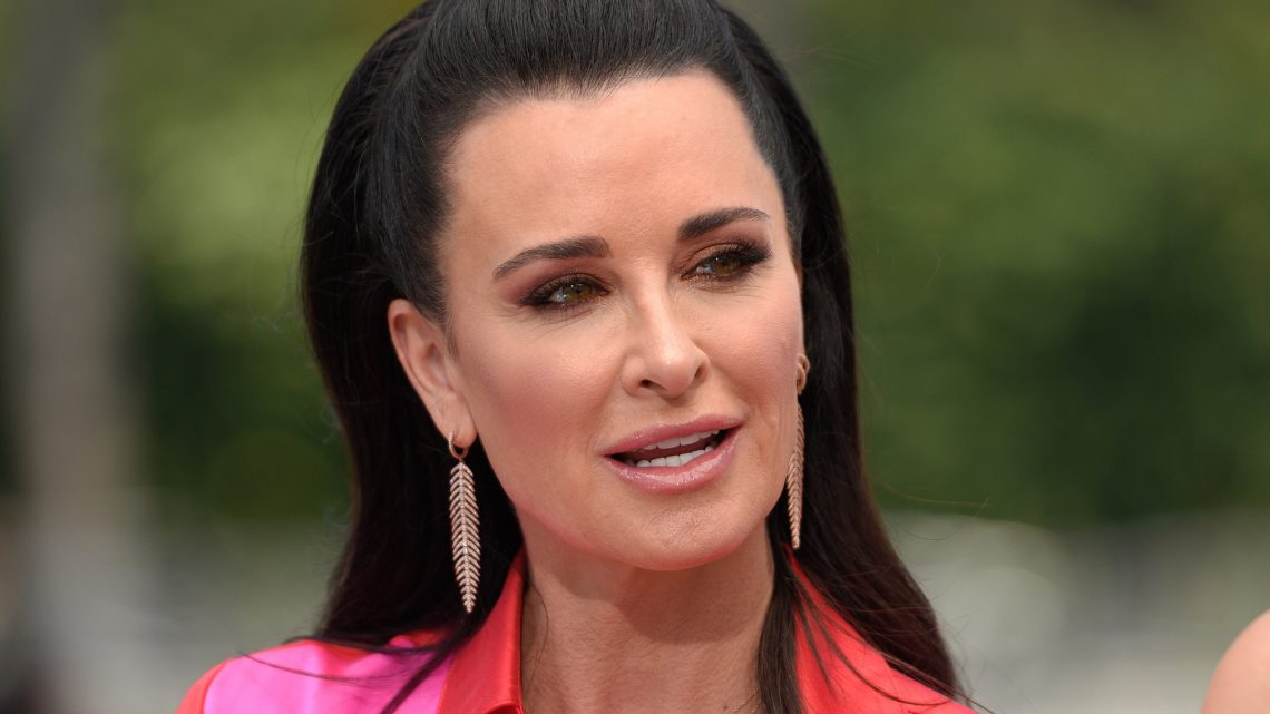 Kyle Richards responds to critic who asked if she bribed daughter's way into college
