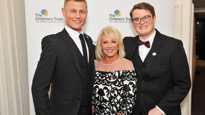 Elaine Paige's vow to help sick kids as she 'never had children of her own'