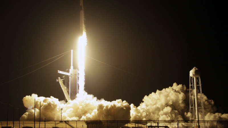 SpaceX capsule to dock with international space station