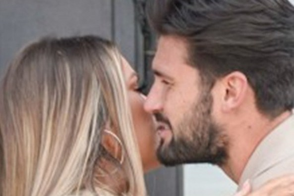 Chloe Sims and Dan Edgar kiss as they reunite in Essex after Thailand romance is revealed
