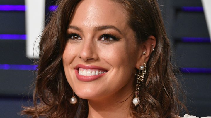 Ashley Graham Just Posted A No-Makeup Selfie Showing Off Her Oozing Pimple
