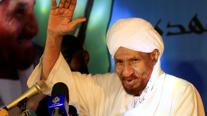 Sudanese opposition party leader calls on Bashir to step down