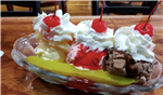 People Are Eating Pickle Split Sundaes Now & The Combos Look Delicious