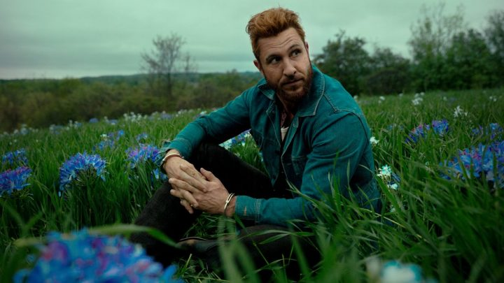 Who plays Mad Sweeney in American Gods? Is Pablo Schrieber related to Liev Schrieber?