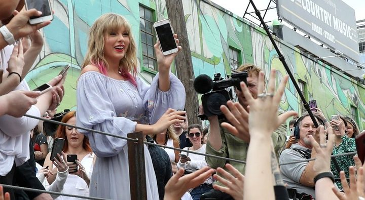 Taylor Swift's New Mural Hints At New Music, Possibly Karlie Kloss