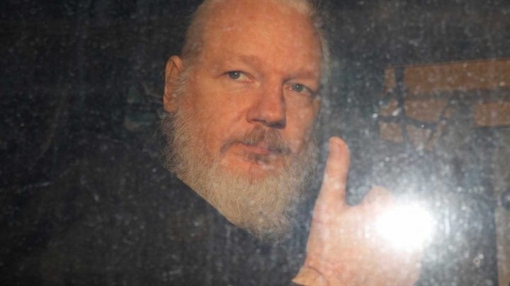 Jeremy Corbyn OPPOSES sending Julian Assange to America to face justice