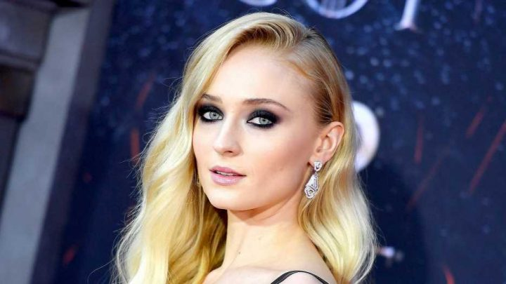 Sophie Turner on Her Mental Health Battle: 'I Used to Think About Suicide'