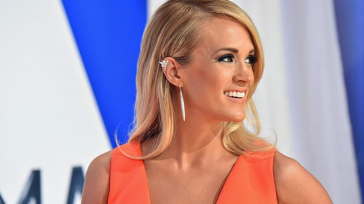 Carrie Underwood posts makeup-free selfie, reveals son's hilarious nickname for her