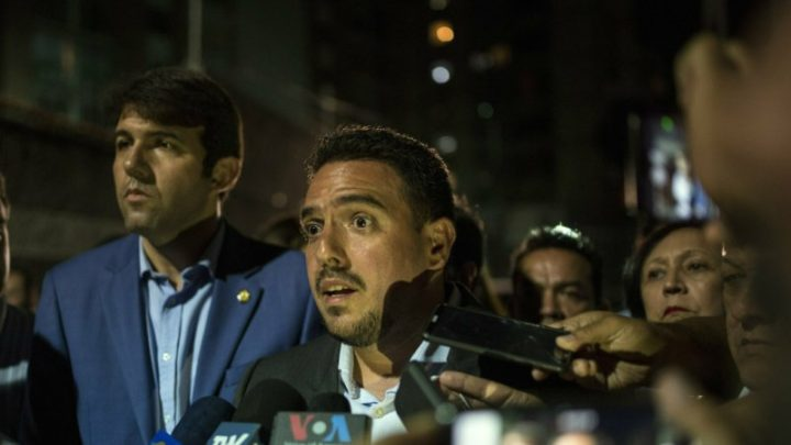 Guaido deputy towed away in car to detention by security agents