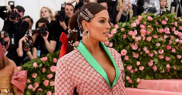 Ashley Graham's Met Gala Look Just Took The Hair Accessory Trend to a New Level