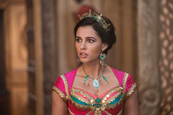 'Aladdin' Cuts This Sexualized Moment From The Original & It's A Huge Relief