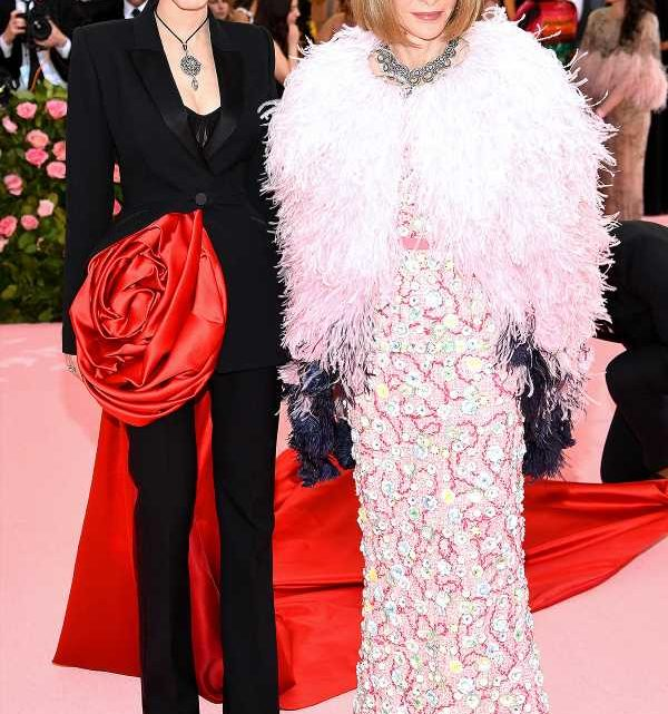 Anna Wintour, Vogue's Editor-in-Chief, Is Covered in Feathers At 2019 Met Gala