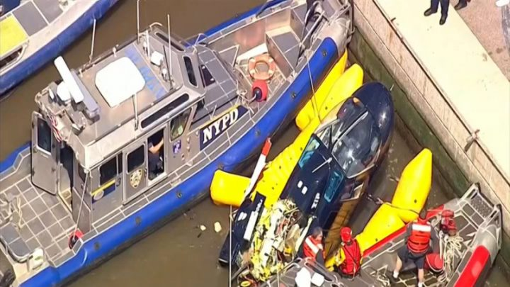 Helicopter goes down in Hudson River in dramatic crash