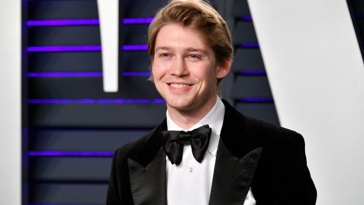 If Joe Alwyn Shows Up At The 2019 BBMAs, It Will Probably Be In This Sneaky Way
