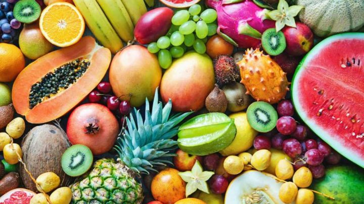 Eating less fat, more fruit may cut risk of dying of breast cancer