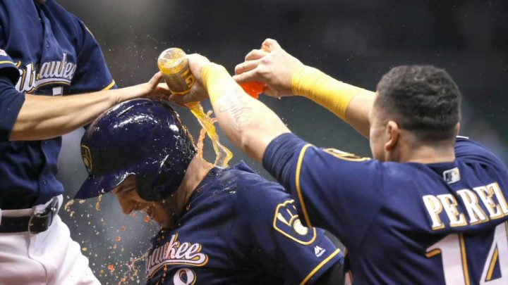 Marathon of futility: Mets blow lead in 18th to fall to Brewers