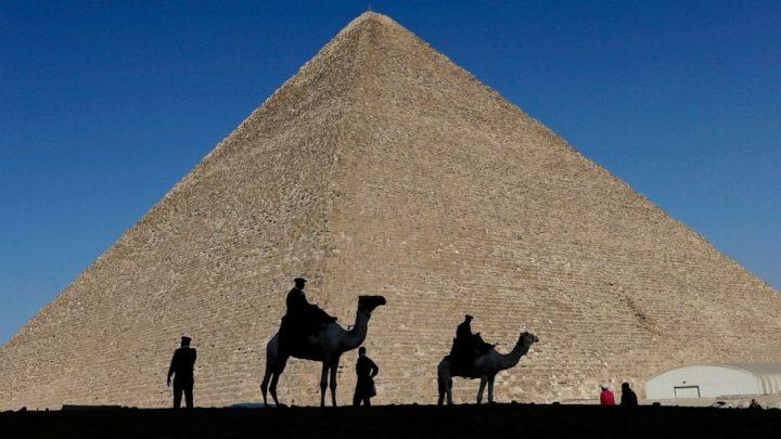 Man climbs Great Pyramid of Giza, throws stones at security
