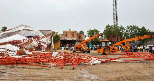 Huge tent collapses leaving 14 dead and 50 injured during religious festival