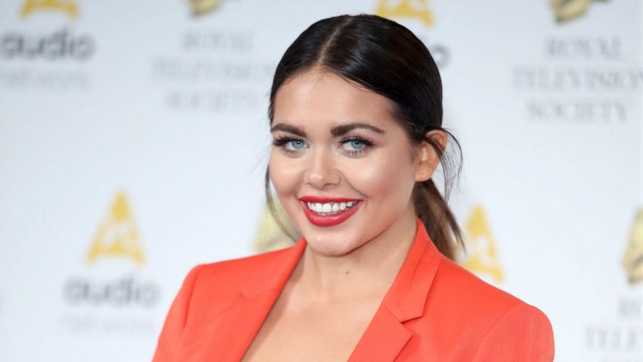 Scarlett Moffatt surprises fans after sharing photo of her natural hair without extensions