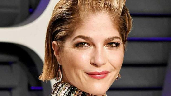 Selma Blair Debuts Shaved Head After Being Discharged From MS Treatment