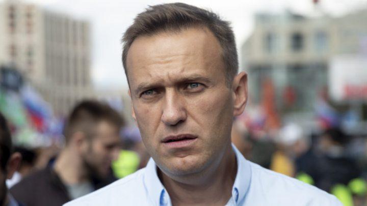 Kremlin critic Alexei Navalny jailed for calling for protest