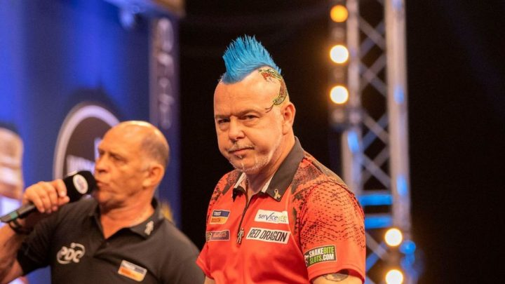 Peter Wright and Daryl Gurney enter the fray on Monday at the World Matchplay