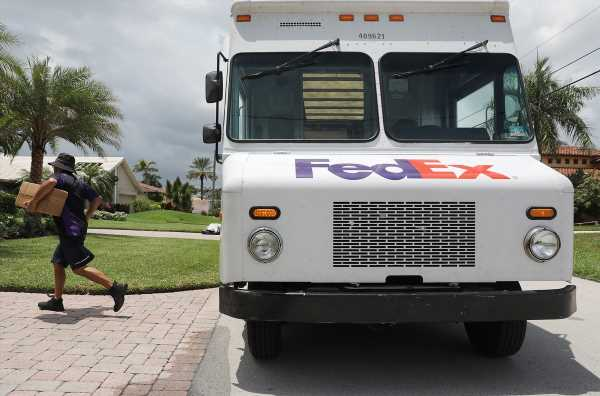 Your Amazon Packages Might Not Be Delivered By FedEx Anymore — Here's What That Means