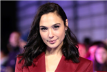 Gal Gadot Officially Boards Showtime's Hedy Lamarr Biopic From Affair Creator