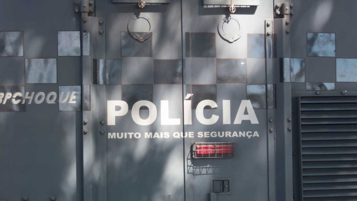 Hostage situation: Armed man holding 37 people on bus near Rio de Janeiro