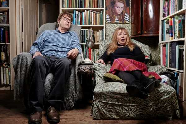 What time is Gogglebox on Channel 4 tonight, who are the families and are they paid?