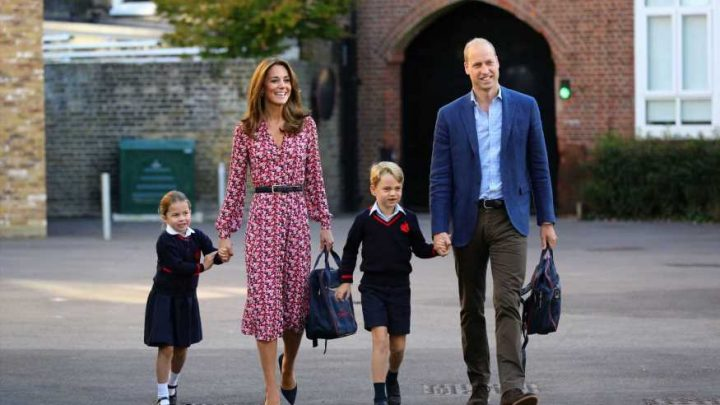 'Tense' Kate Middleton and Prince William look like 'nervous kids' as they take 'delighted' Princess Charlotte to her first day of school, body language expert reveals – The Sun