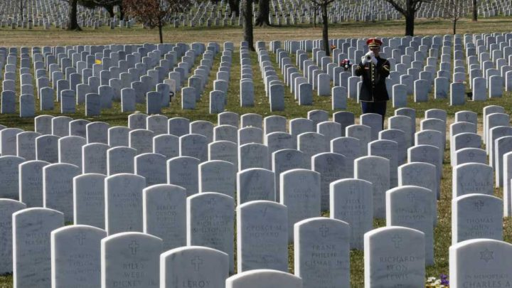 Army proposes new burial rules for Arlington Cemetery to save space