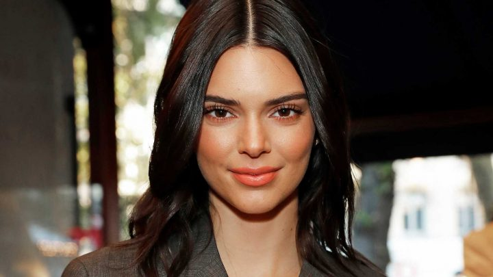 Kendall Jenner goes blonde at Burberry