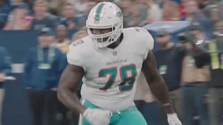 Laremy Tunsil gas mask GIF: What's the story with the former Dolphins star?