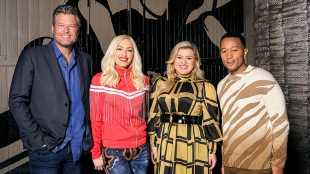 'The Voice': Gwen Gears Up To 'Beat Blake' In Season Premiere Sneak Peek — 'This Is War'