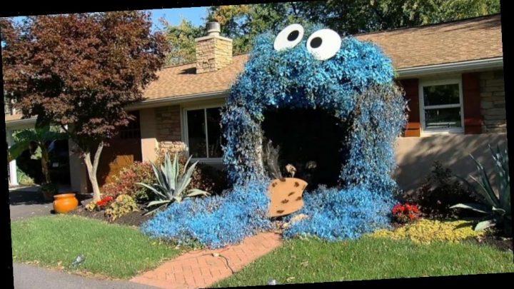 Giant Cookie Monster front door display is a treat for kids this Halloween